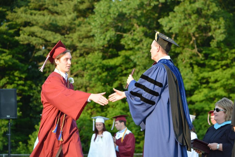 2016+graduate+Sean+Dunleavy+receives+his+diploma.