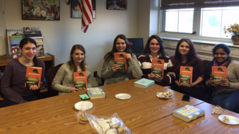Students book groups for reading