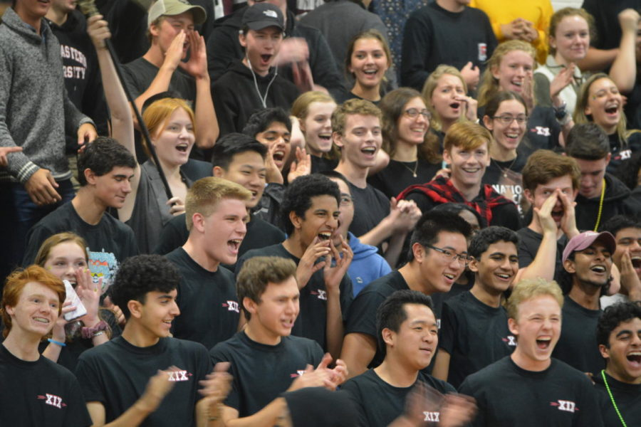 School+Spirit--+Seniors+cheer+at+the+pep+rally.+The+event+took+place+on+September+28.+